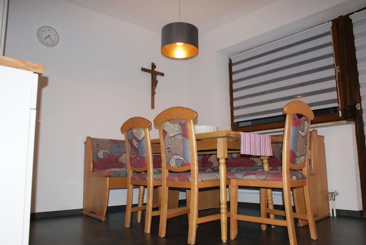 Ferienhaus Waldesruh, 6 bis 18 Pers - Sautens - House