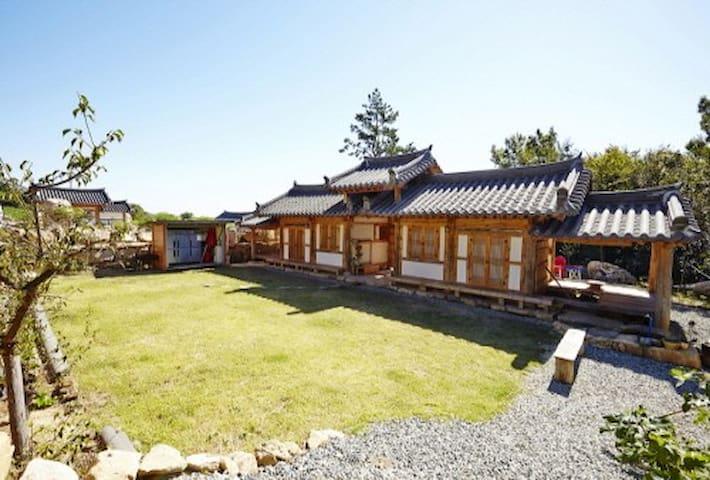산애(愛)-가족이 머물기 좋은 땅끝 해남의 작은 한옥민박, 산들바다애 - Bukpyeong-myeon, Haenam-gun - Σπίτι