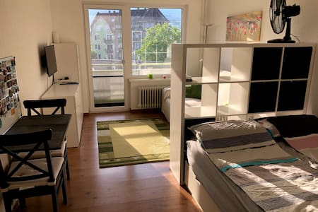 studio apartment, close to train station / FlixBus