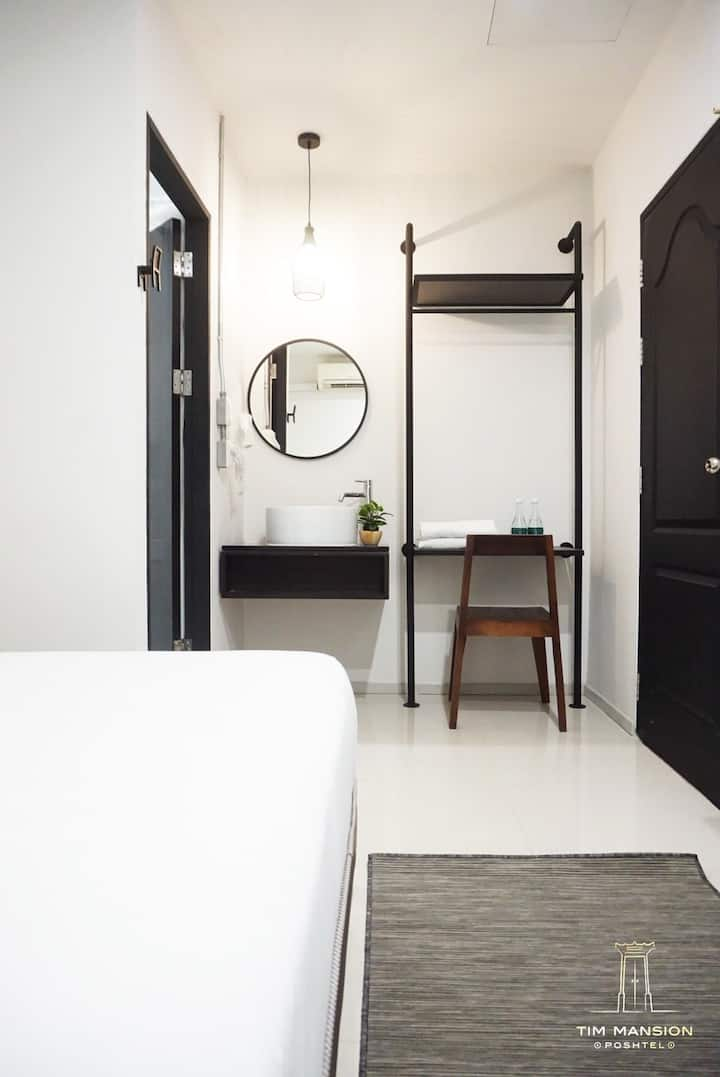 Duplex Room with Queen size bed and bathroom