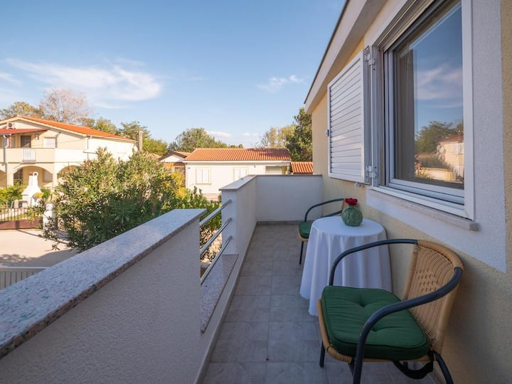 One bedroom apartment with terrace Nin, Zadar (A-5838-b)