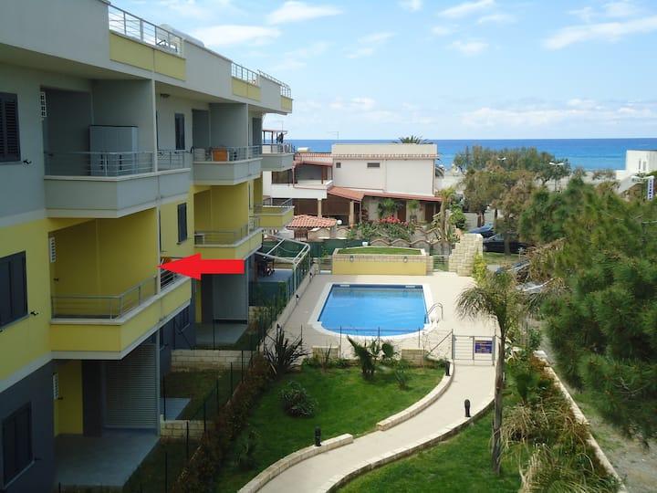Appartamento con 4 camere direttamente sul mare
