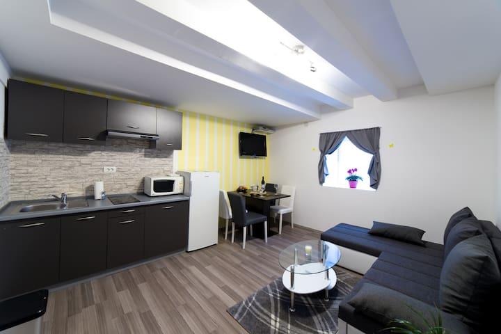 Town apartment -Rijeka center - Rijeka - Apartamento
