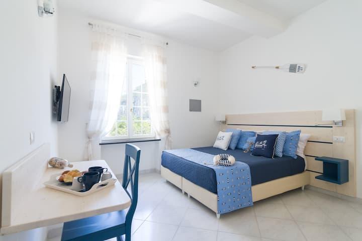 Aquamarine Relaxing Capri Suites - Suite Azzurra