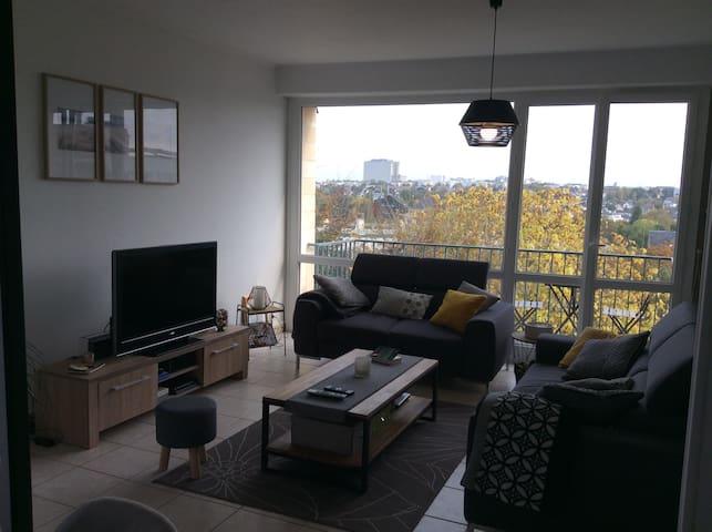 Bel appartement lumineux et spacieux proche centre