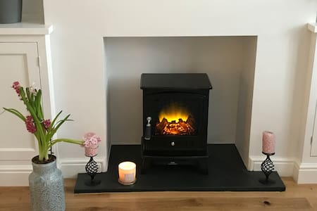 Modern cottage, 2 minute walk to Clitheroe centre