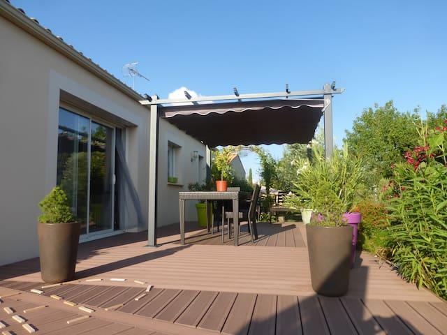 Maison familiale avec grand jardin - Luçon - Haus