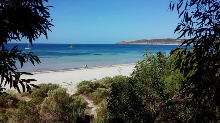 The Beach Shack - Emu Bay - absolute beachfront