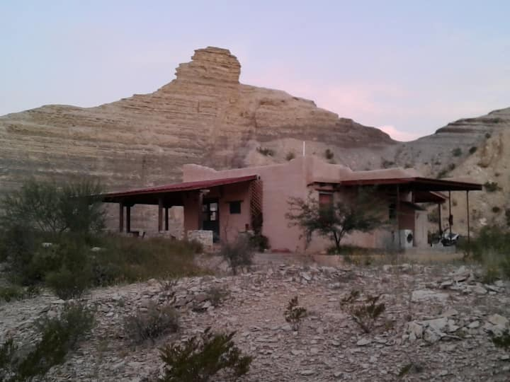 Canyon House. (Surrounded by beautiful Canyons)