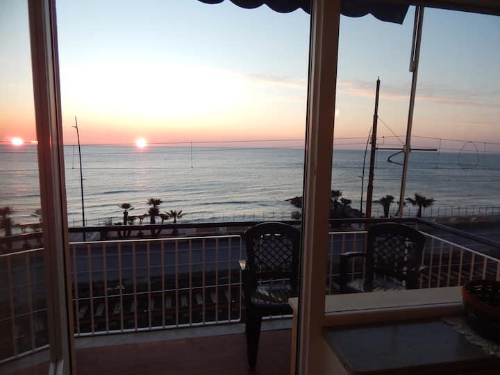 Appartamento vista mare a 50 metri dalla spiaggia