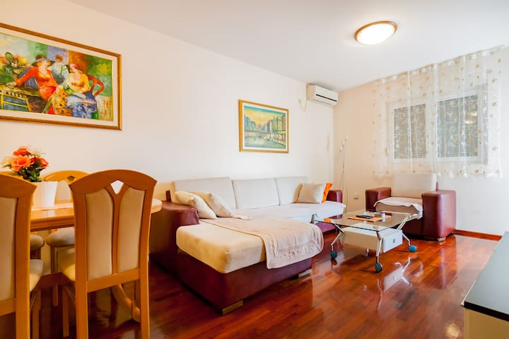 Romantic apartment 1,5 km from city center