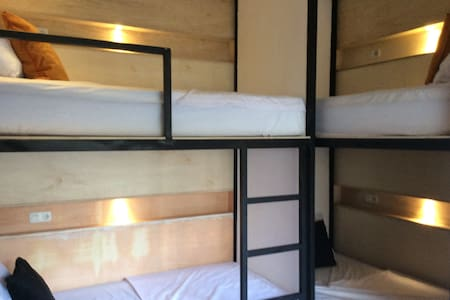 The Patio Yogya Luxury Bunk Bed (4/room) - Kraton - Bed & Breakfast