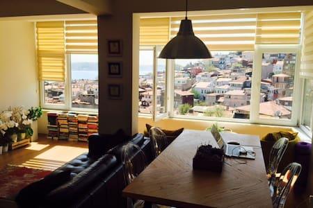 Bright apartment walking distance to Bebek - Beşiktaş
