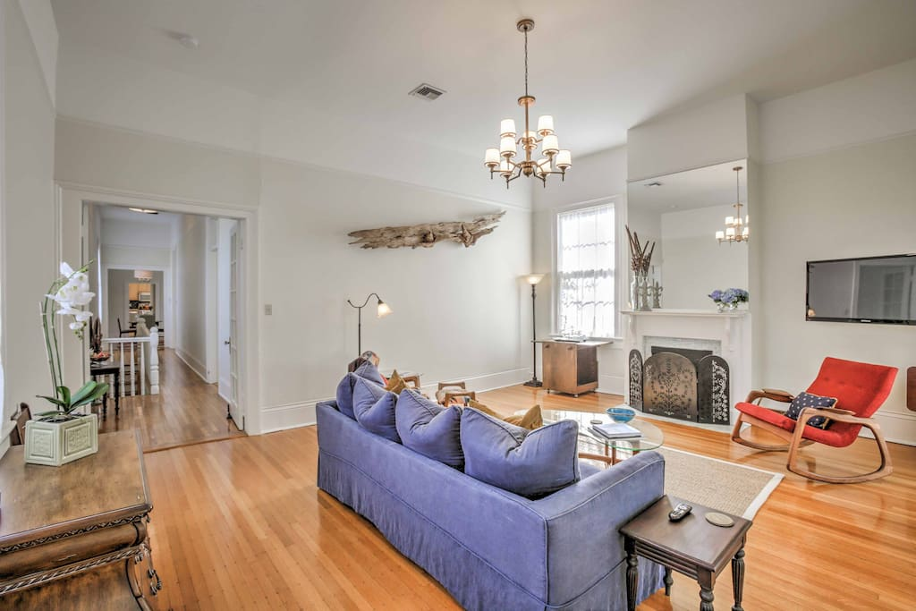 Hardwood floors meet your feet as you step inside the tastefully decorated unit.