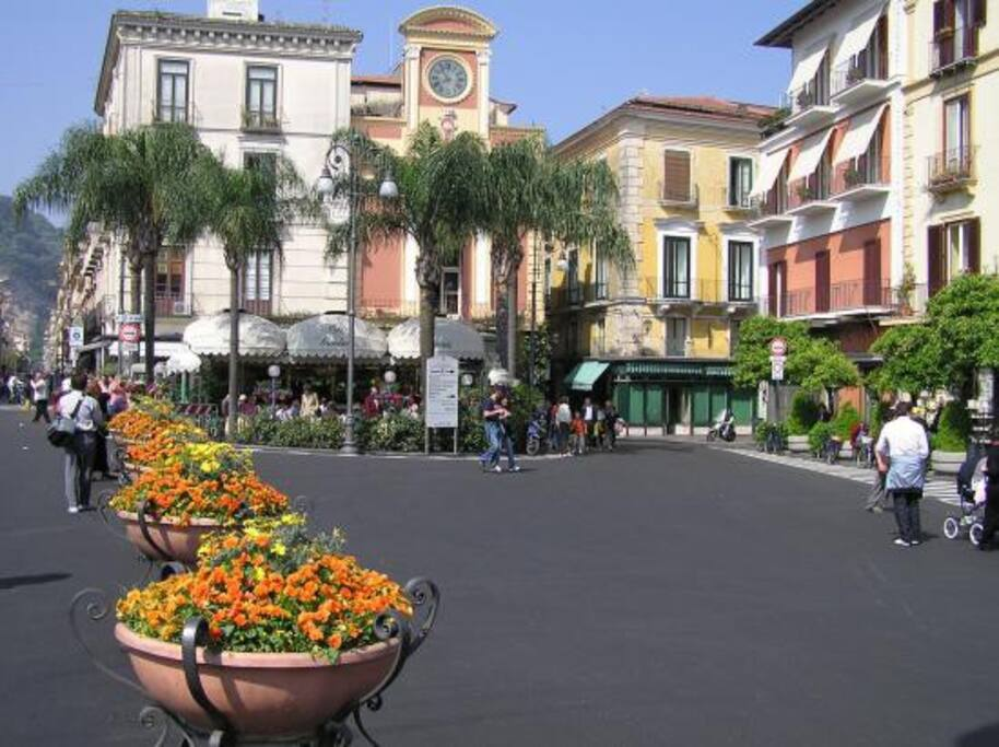 Piazza T. Tasso centro Citta'