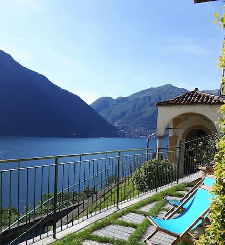 casa vacanze lago di Como Balcone dei Limoni Van.