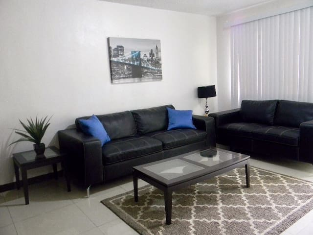 BEST price $69 for 2 bedrm-MUST SEE - Sinajana - Appartement