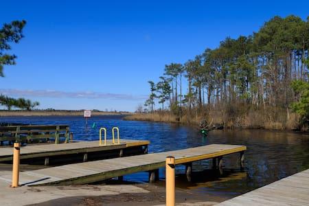No Wake Zone - on Intracoastal Waterway + Marina
