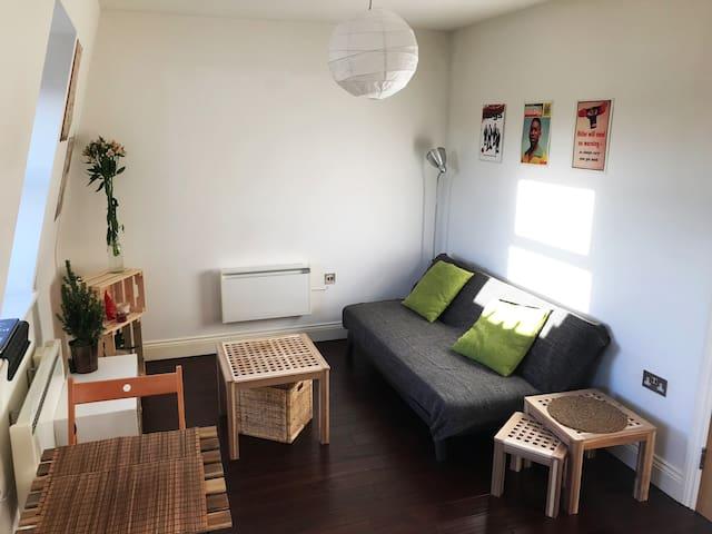 Lovely studio flat in the heart of Hackney
