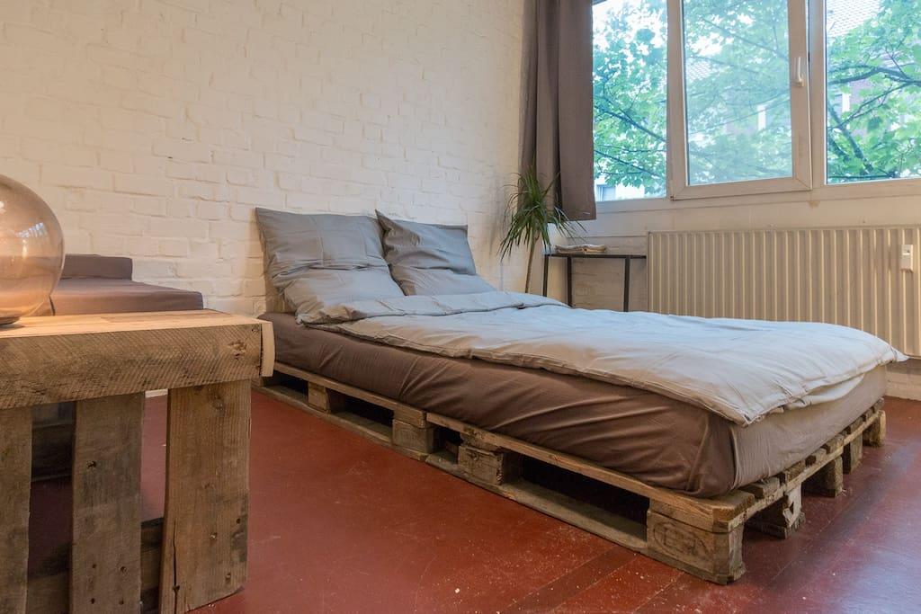 Cosy Queen Size Bed
