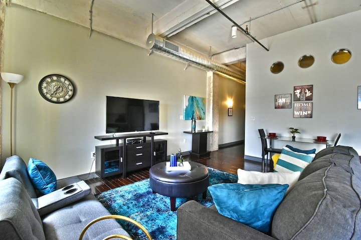 ★★★★Corporate 1Bd Condo with pool and parking