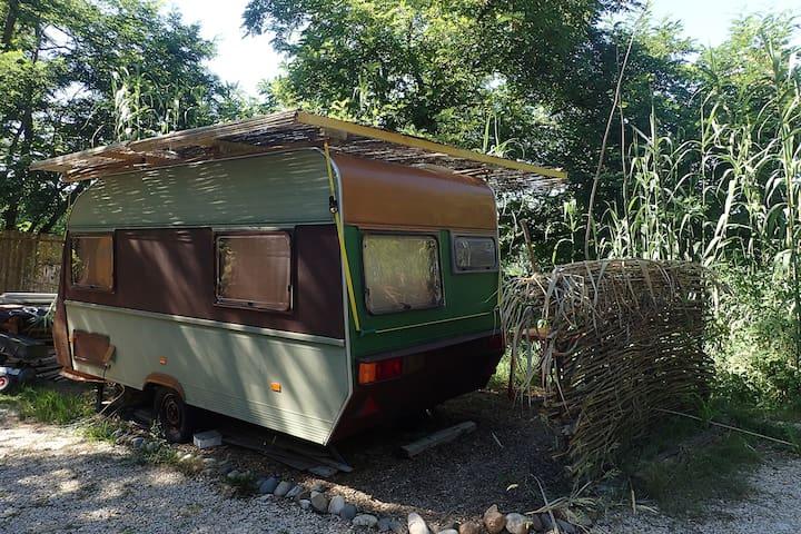 Caravane avec belle vue sur Garonne