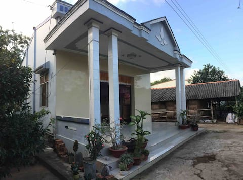 Local Khmer Family- 1BR - Chapi Dream Garden House