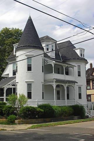 Aunt Anne's Cottage