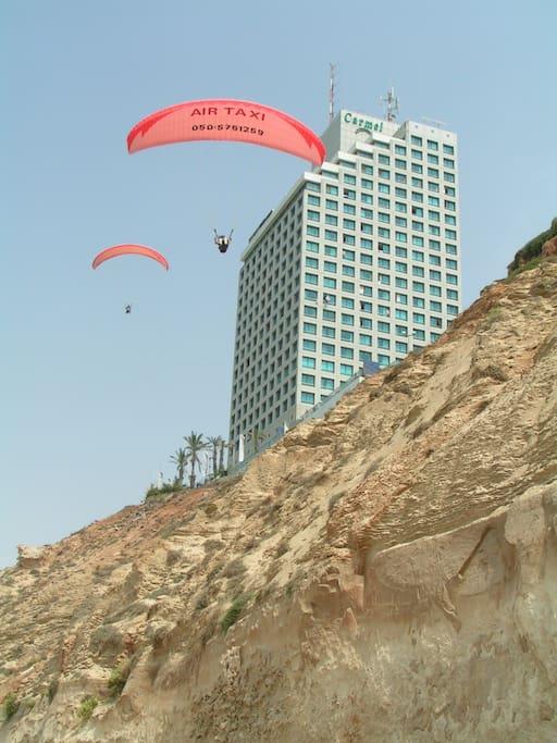 Paragliding site, 15 min. walking on the promenade