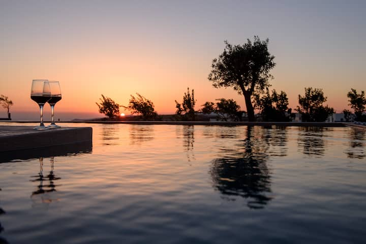 Queen Albus Villa with Private Pool, Sunset View