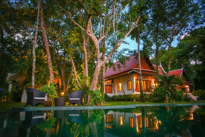 Beautiful Thai style beachfront pool villa
