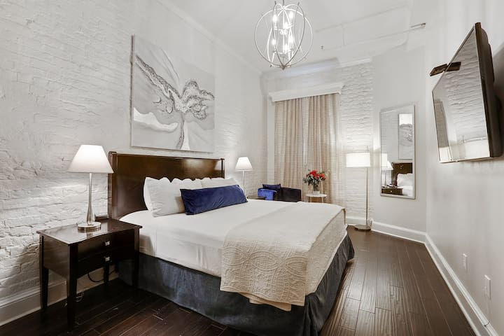 King bed in a Pet Friendly FQ Hotel
