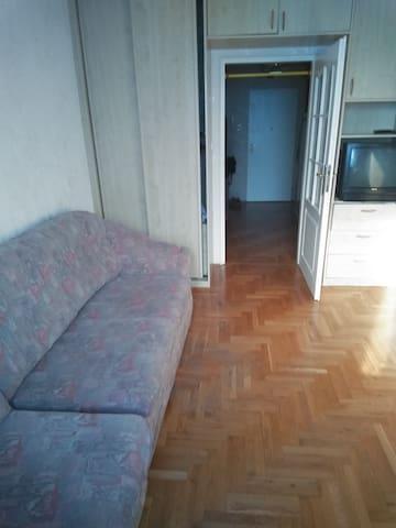 Room/ Pokój (tylko kobiety/ only for women)