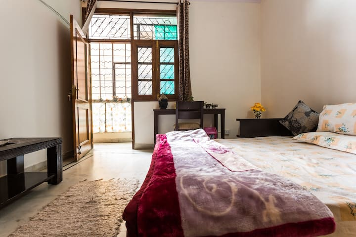 A/C Private Room + Living Room + Kitchen +Washroom - Nueva Delhi - Apartamento