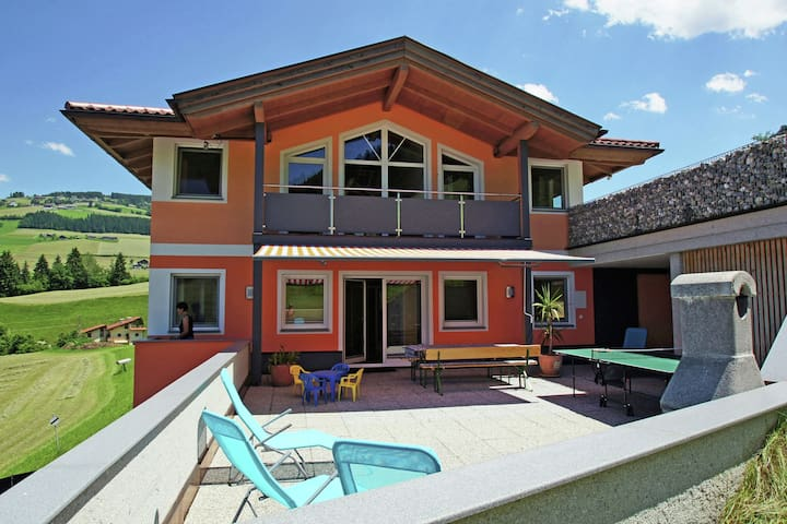 Maison de vacances spacieuse près des pistes à Kolsassberg