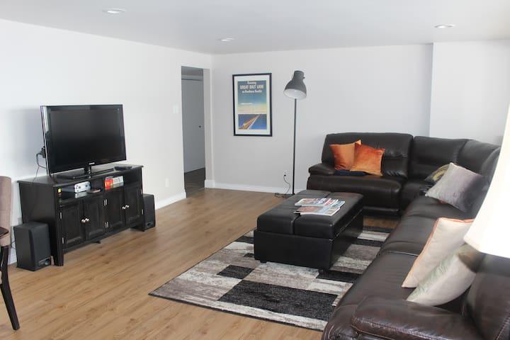 Capitol Hill Spacious 2  Bedroom  Apartment