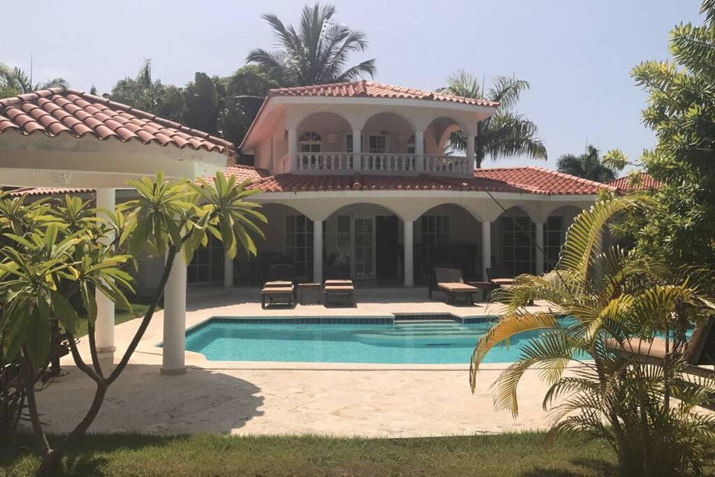 3 bedroom crown villa 5 star vip all inclusive resorts for rent in puerto plata puerto