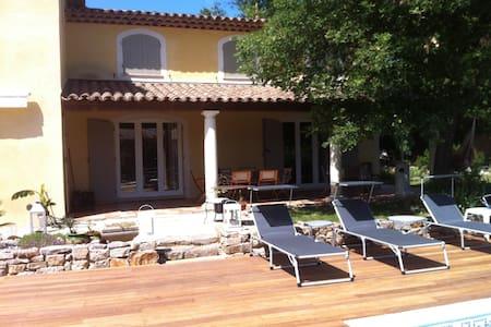 Grande villa provençale climatisée-piscine privée