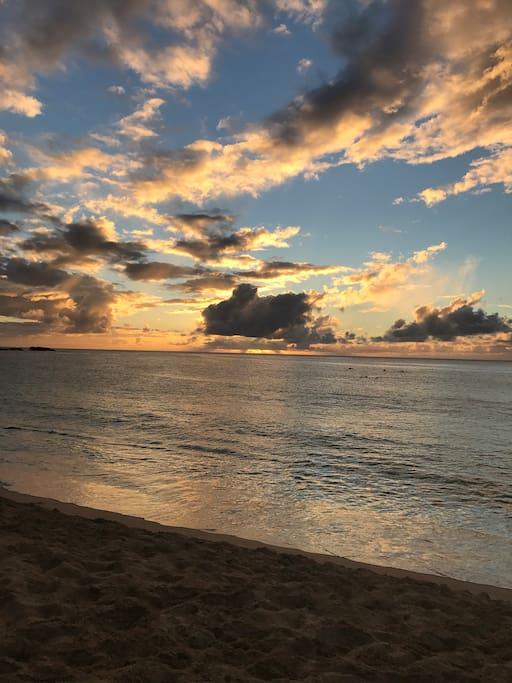Waimea Beach - 5 minutes away