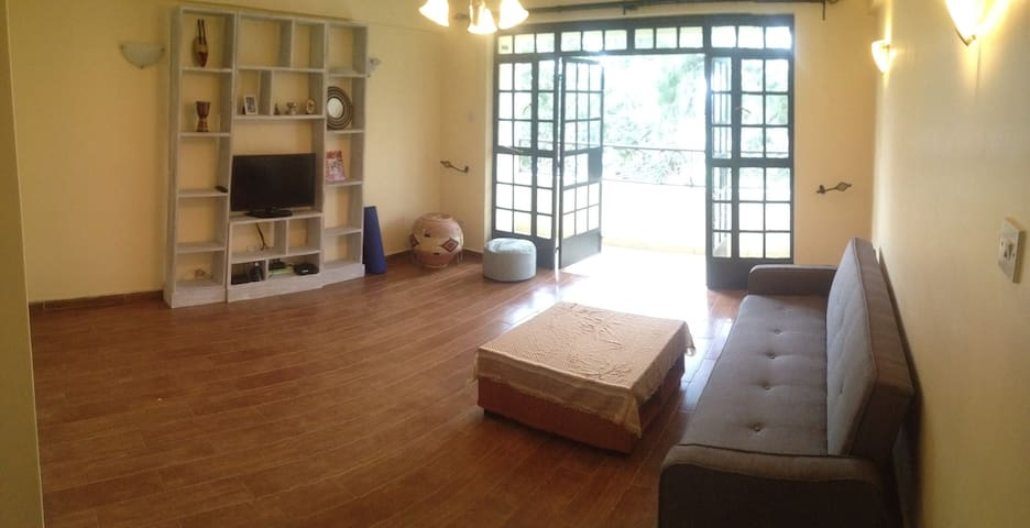 2 Bdrm Modern Apt w/Open Layout, Pool & House Help - Nairobi - Appartement