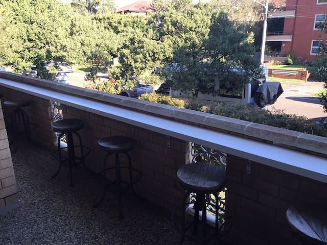 Private bedroom short stroll from Dee Why beach - Dee Why - Daire
