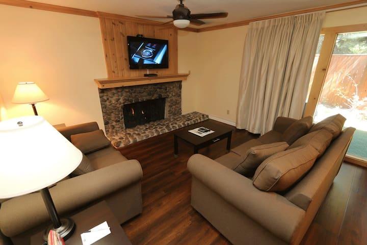 Tahoe North Lake Lodges Studio -Sleeps 2 (another)