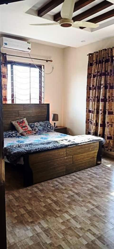 Affordable room seperate entrance in D12/4.