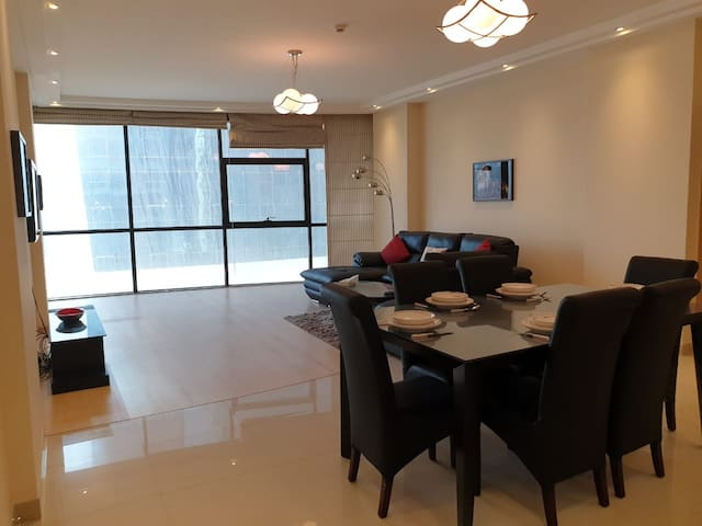 Modern 2BR Apartment w/ Maids Room in Juffair