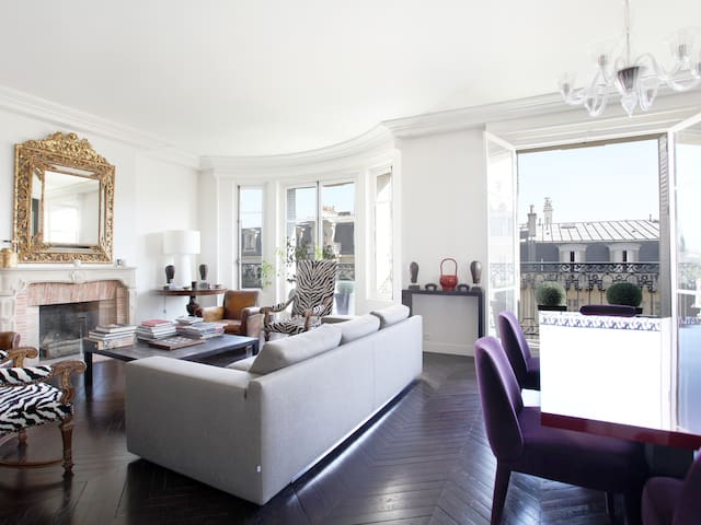Outstanding 2 br with a terrific Eiffel Tower view