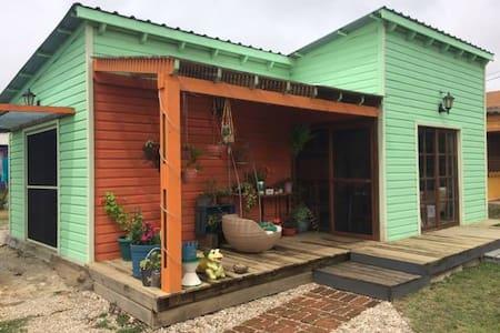 casa para 2 o 3 personas equipada - La Paloma