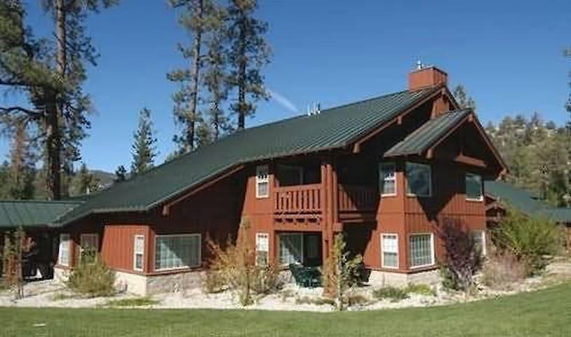 Big bear lake 1 Bedroom Condo... best Location!!