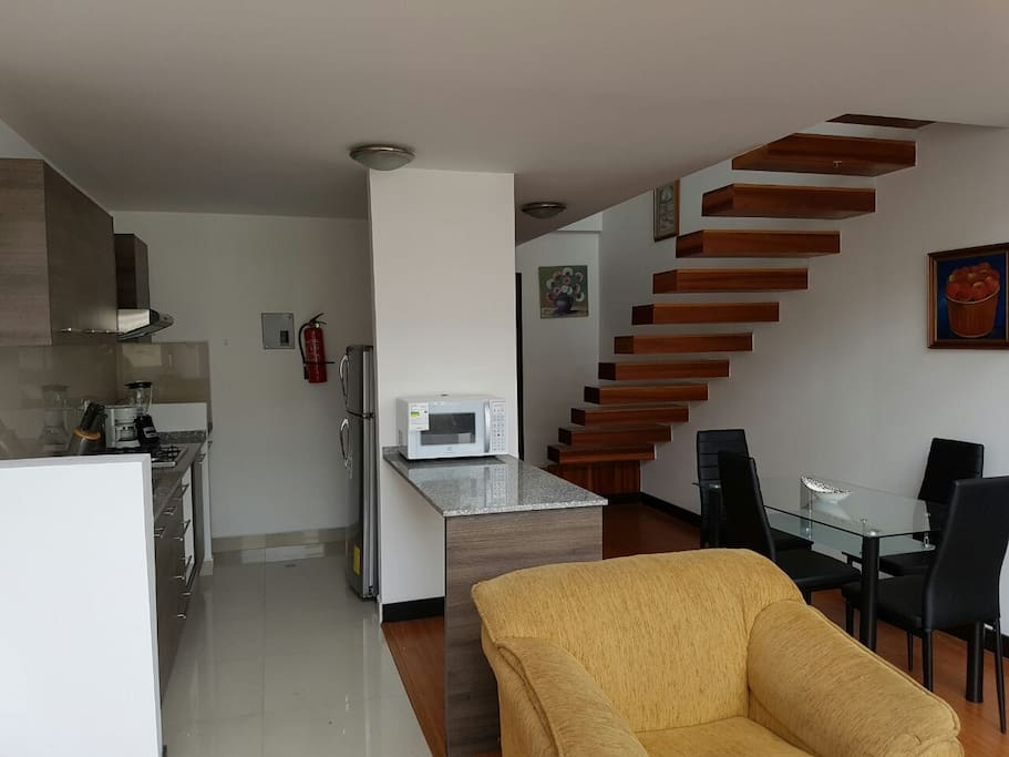 Cocina y  Corredor / Kitchen and Lobby