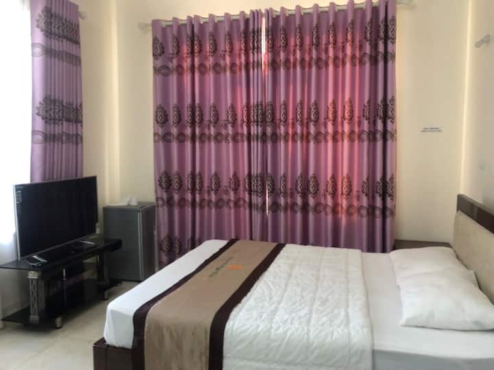 Double Hotel Room Affordable Classic Villa Tu Son