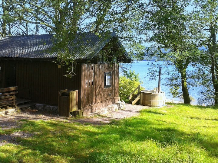Sloy cabin, with wood fired hot tub
